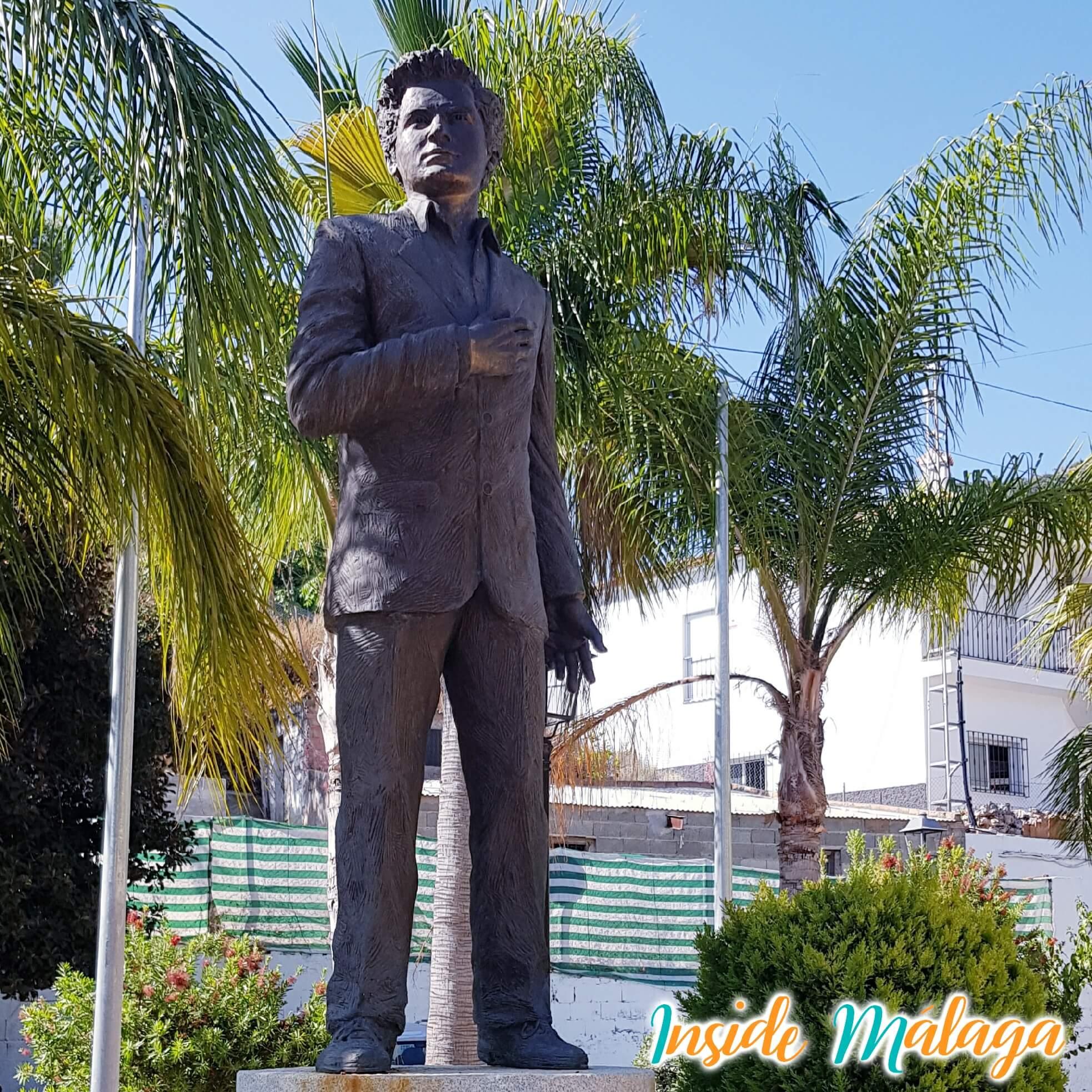 Escultura Monumento Antonio Molina Totalan Malaga
