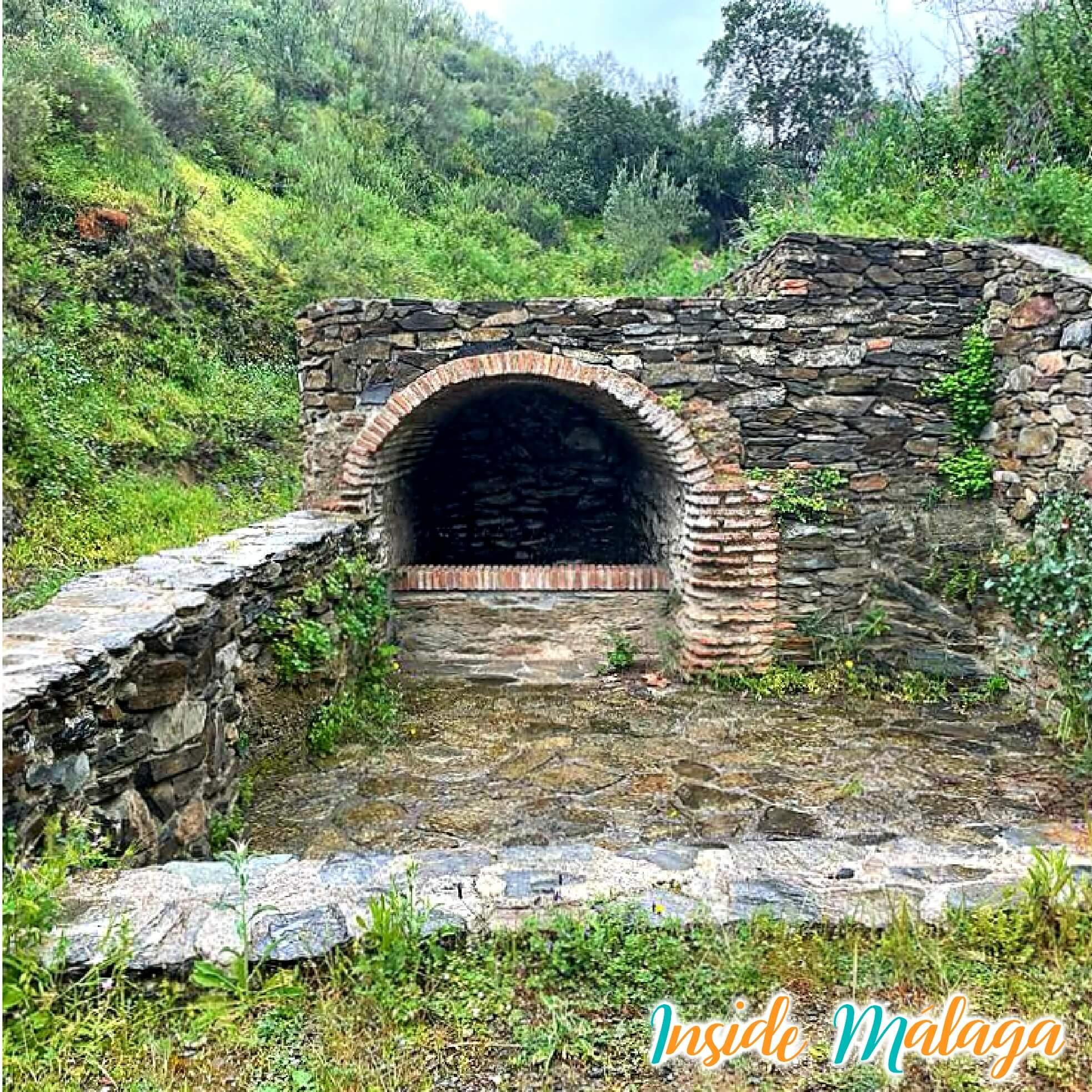 Fuente del Horno Macharaviaya Malaga