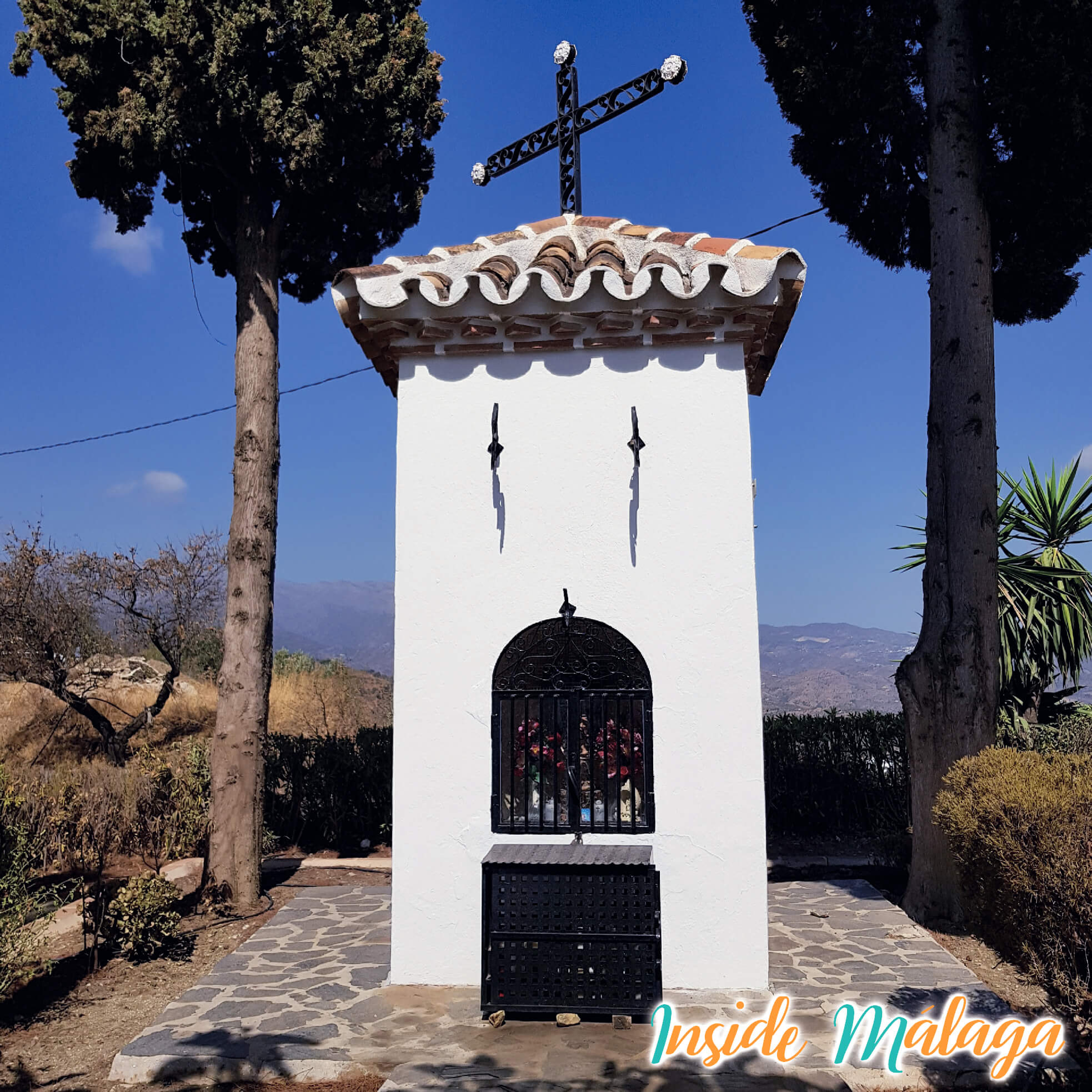 La ermita de la Cruz del Puerto Guaro Malaga