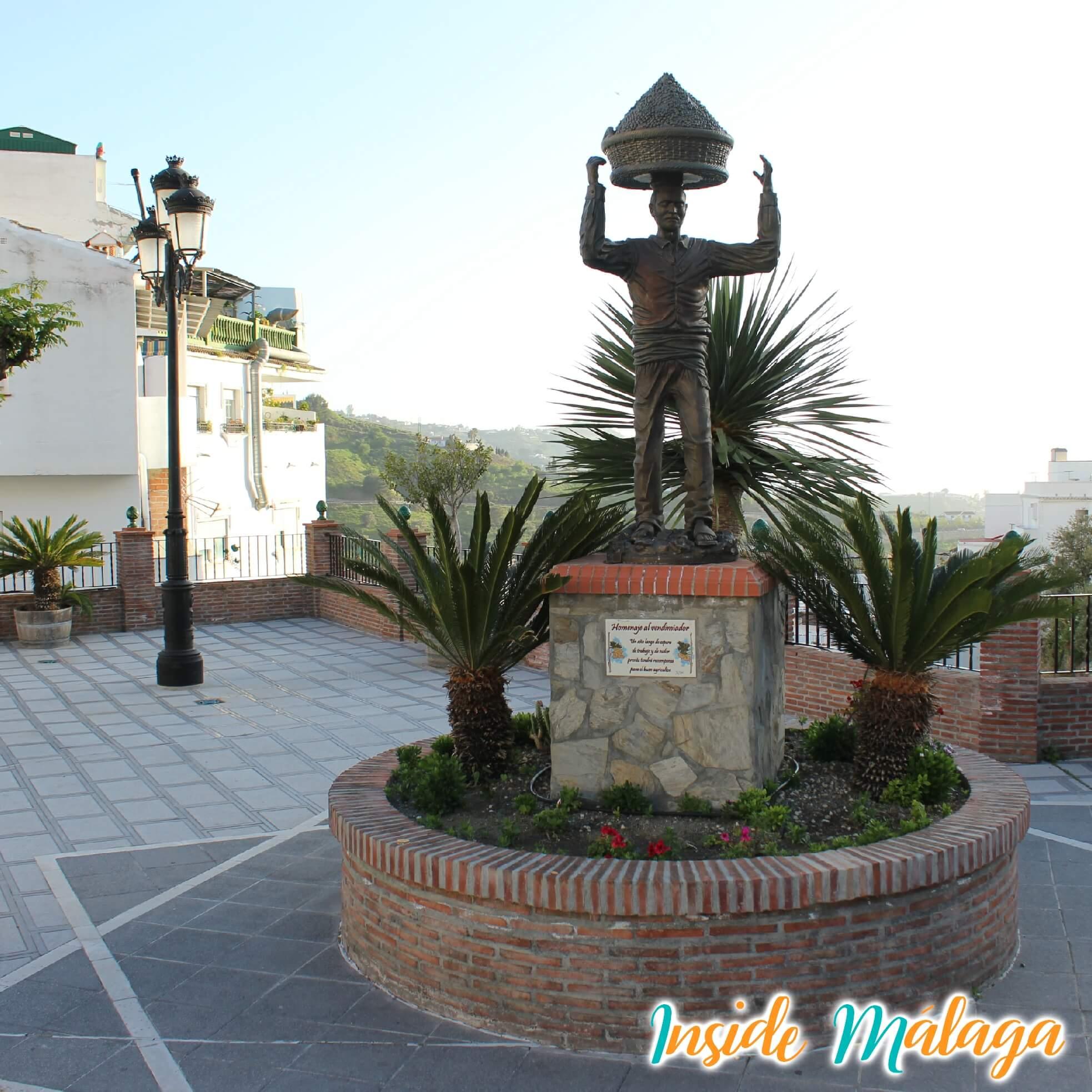Plaza de la Vendimia Competa Malaga
