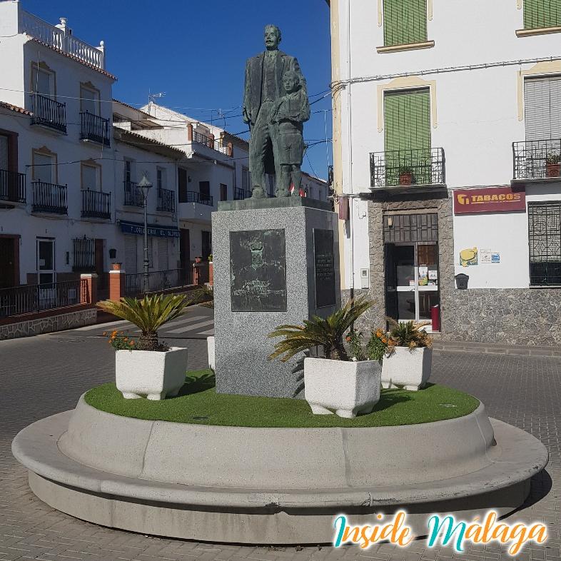 Monument Don Alfonso Molina Padilla Colmenar Malaga
