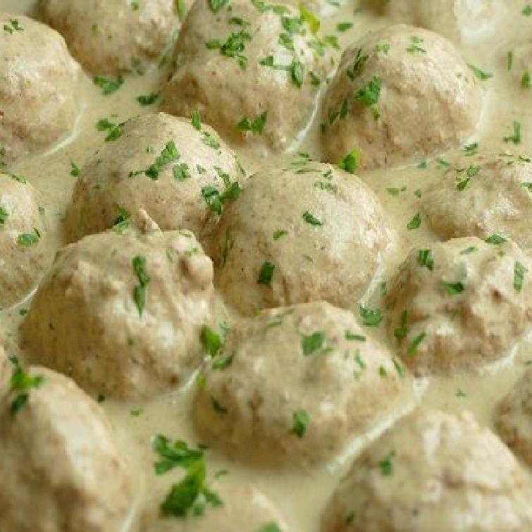 Boulettes de viande à la sauce aux amandes