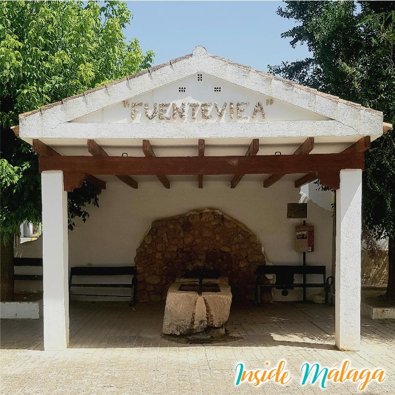 La vieille fontaine Fuenteviea Villanueva del Rosario