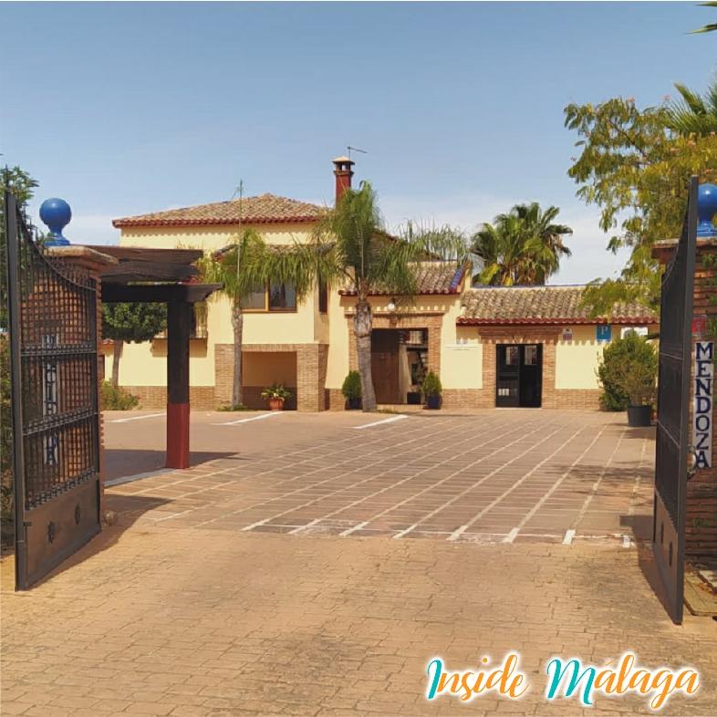 Hotel Hacienda Mendoza Entrada Parking Archidona