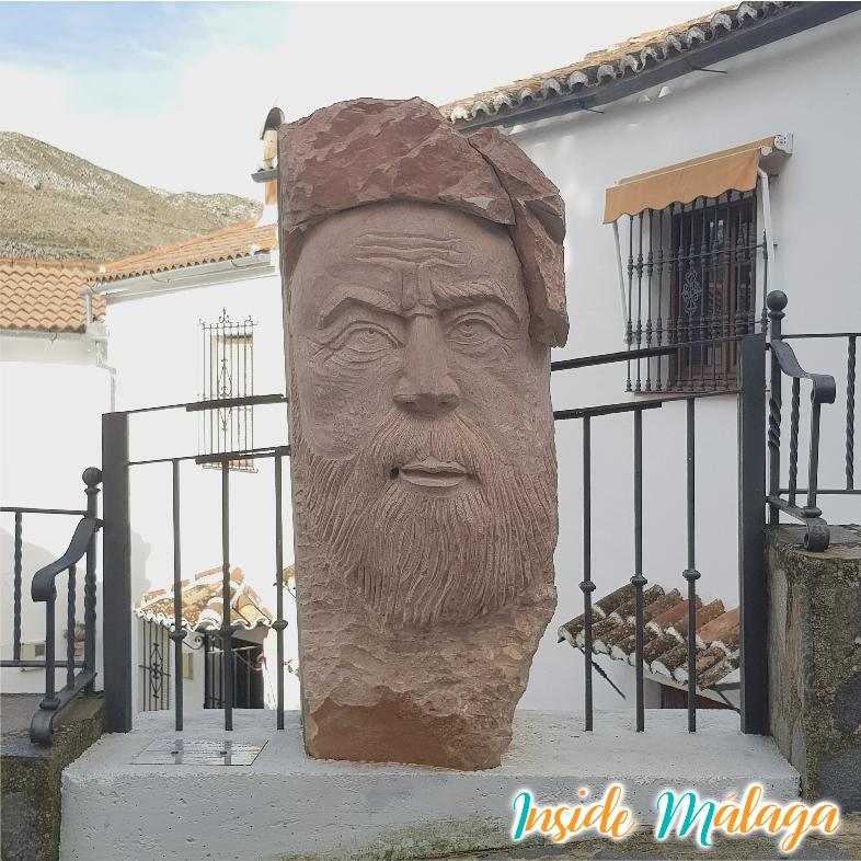 Omar Ben Hafsun monument i Parauta